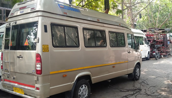 luxury tempo traveller hire delhi