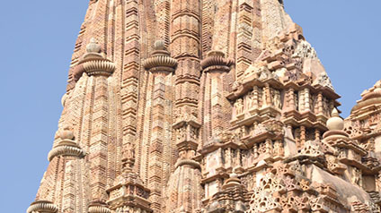 9 seater tempo traveller hire in Nandi Temple Khajuraho