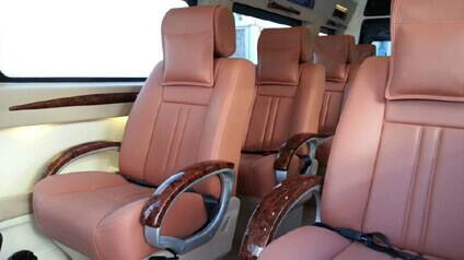 9 seater tempo traveller hire Gujarat